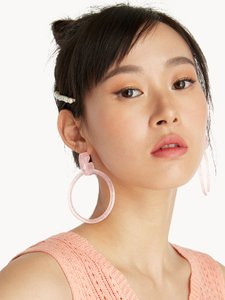 pomelo-fashion-circular-acrylic-hoop-earrings-pink-jG7VvzA79VLQ3hy1PtRCqiZSqv57f8-300