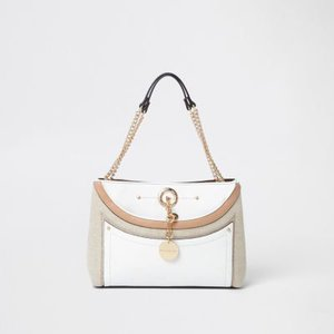 river-island-white-woven-pocket-chain-underarm-tote-bag-HsncWQQMyJA3zMPLr4Ue9mMn22ptS-300