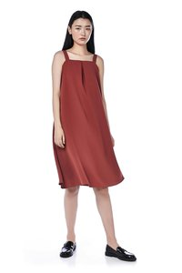 the-editors-market-hema-midi-dress-b2pDhzw2Hk224Gk3abjciMSy9qtRUBwZBF7mGRPomqk31-300