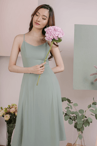 the-tinsel-rack-kino-v-neck-midi-dress-seafoam-BhXaWpwwxavrGT4mK4yVM9uvtHn6i-300