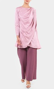 aere-mollis-draped-top-in-dusty-pink-oGT4nJK72FFxCUNMy4RuJHH1yTfr84-300