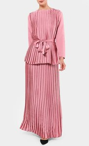 aere-onero-pleated-skirt-in-dusty-pink-VGC4ESK72FZtXVcAAKRuJhH1yVfr8f-300
