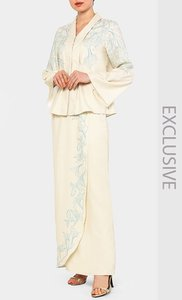 poplook-premium-for-fashionvalet-kebaya-blouse-and-overlay-skirt-set-in-cream-WGoPMYEhKFqhV9B2rtRojjH4szepkz-300