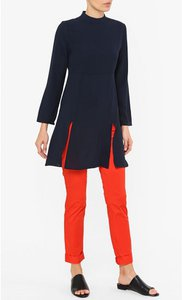 poplook-buena-front-slit-tunic-top-in-navy-ZGdWNs8a3F5Guz6apWREqJLUUv5qzP-300