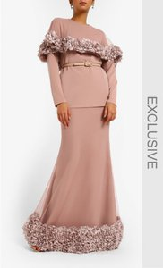 locka-elie-set-in-dusty-pink-vGuVtwmJkFqR8WVeg5RY6sM5ZjhCcs-300